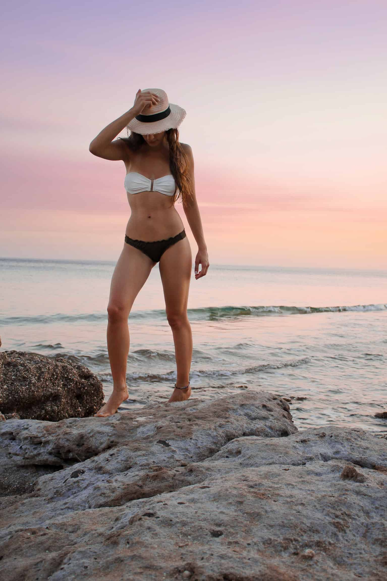 4 Abs Exercises For Women Who Want The Perfect Beach Body